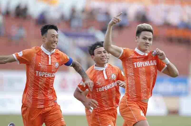 Rookie Binh Dinh mengalahkan Saigon FC