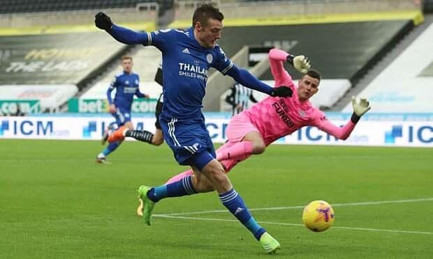 Leicester melepaskan tembakan ke belakang leher Liverpool