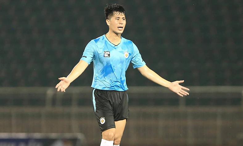 Dinh Trong dan Duy Manh harus bersaing untuk posisi di Hanoi FC