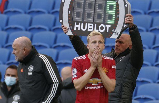 De Boer meminta De Beek meninggalkan Man Utd