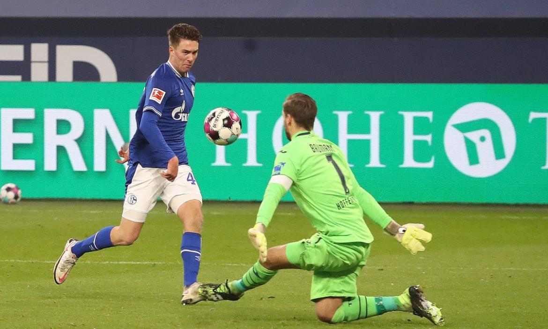 Schalke memotong 30 pertandingan dan kalah di Bundesliga