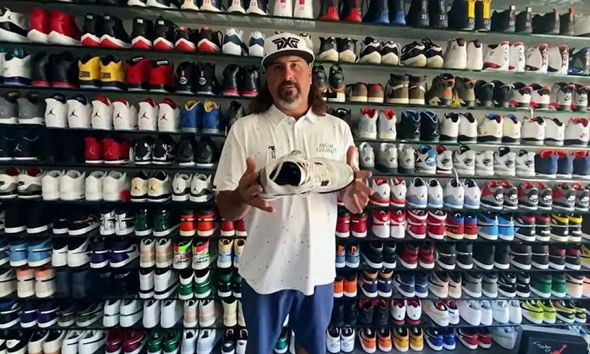 Toko sepatu Air Jordan milik juara PGA Tour