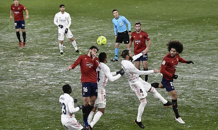 Zidane marah karena Real harus menendang di bawah badai salju