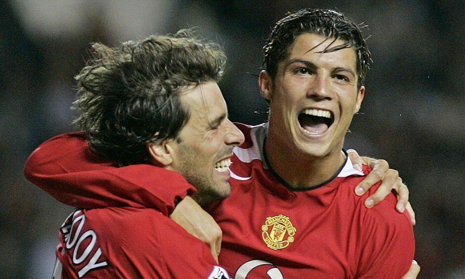 Ferdinand: 'Nistelrooy biasa menyuruh Ronaldo pergi ke sirkus'