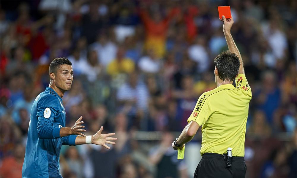 Ronaldo mendapat kartu merah hampir empat kali lipat dari Messi