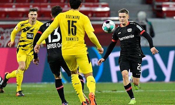 Gelandang berusia 17 tahun itu menelan Dortmund