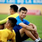 Dokter olahraga Duong Tien Ky: 'Ada hari kerja 16 jam'