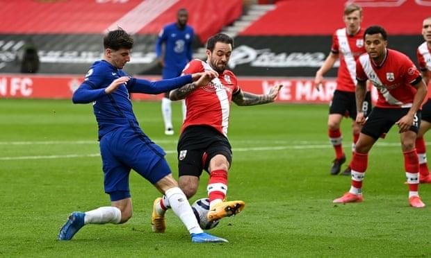 Chelsea diselamatkan oleh mistar gawang