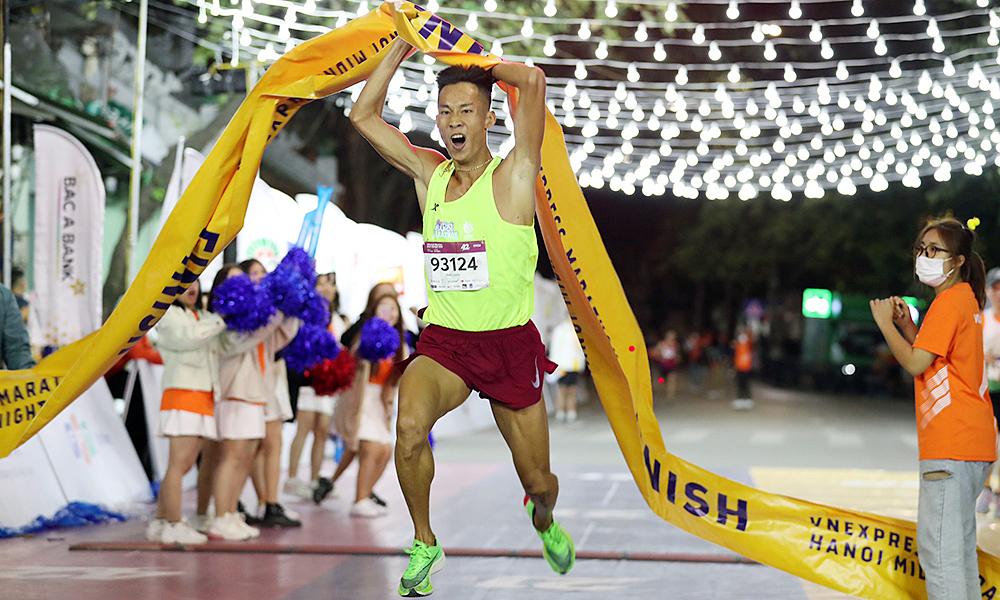 w88alternatif membuka pendaftaran untuk acara lari malam Hanoi yang 'super spesial'