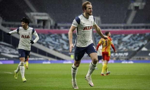 Kane menarik Tottenham keluar dari rawa