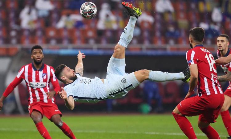 Mengapa gol Giroud diakui 'meski offside'?