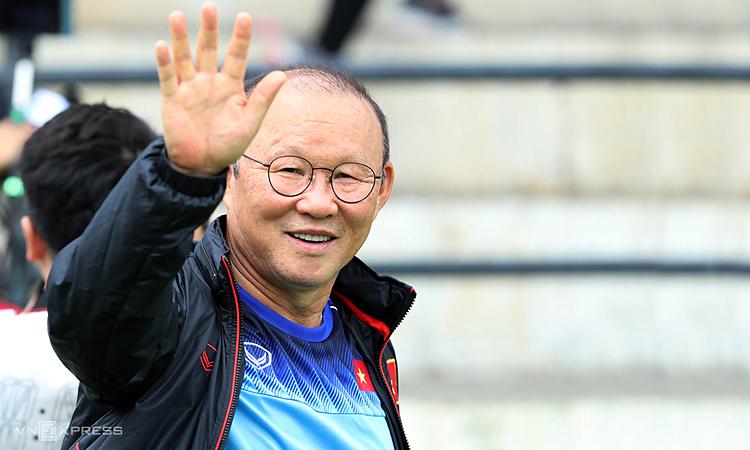 Gaji Pelatih Park tidak meningkat saat dia memperbarui kontraknya