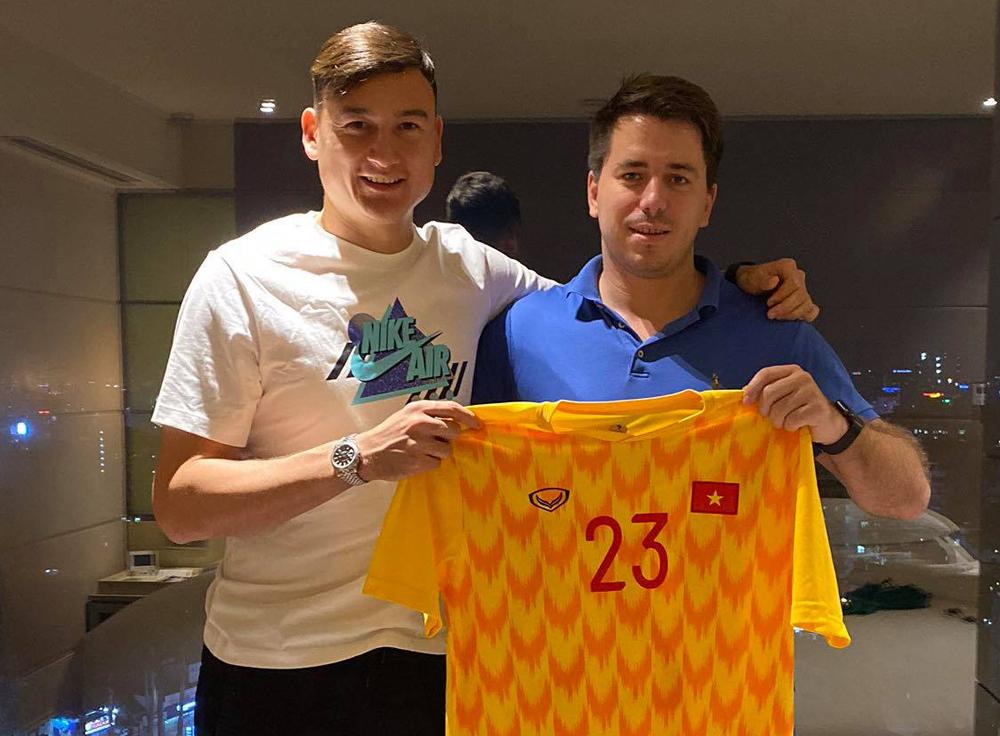 Perwakilan: 'Kontrak Van Lam tidak mencantumkan jumlah pertandingan yang dimainkan'