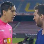 Messi diminta mengganti kaus dengan kiper lawan