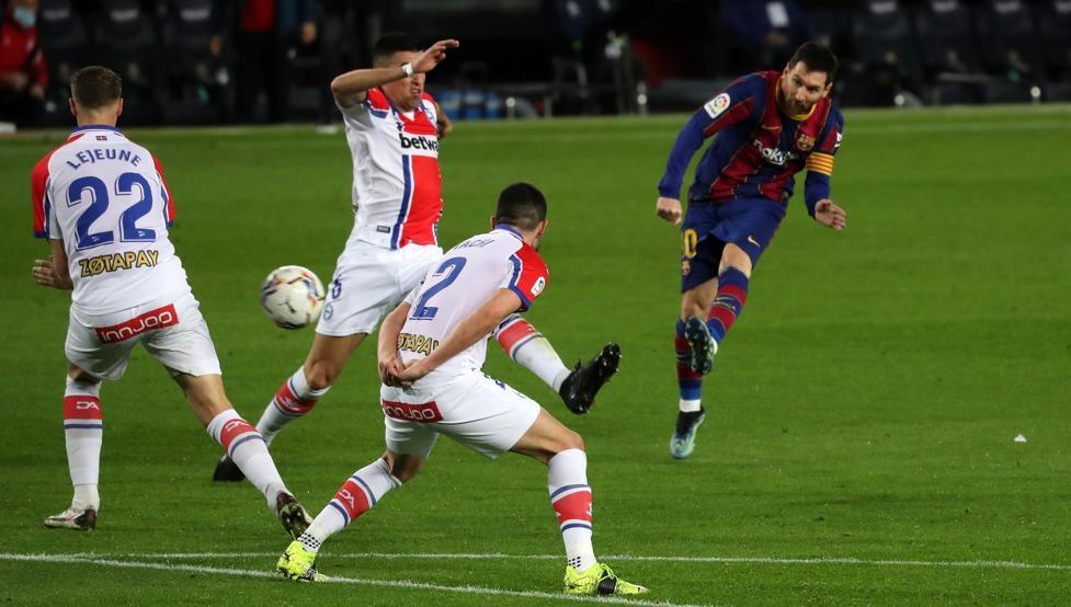 Messi berkontribusi ganda untuk membantu Barca menang