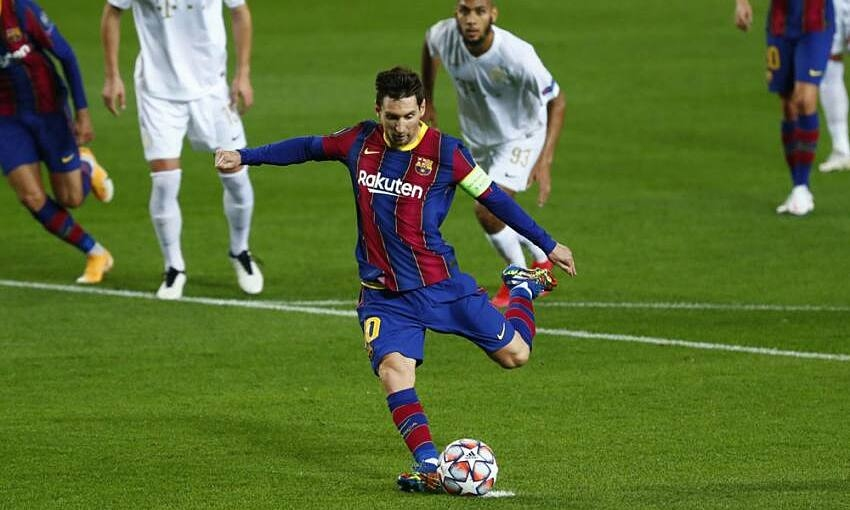 Messi melampaui Ronaldo dalam tendangan penalti