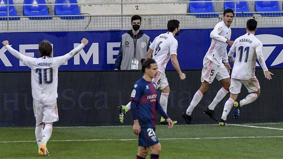 Sang gelandang membuat dua gol untuk menyelamatkan Real