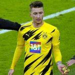 Pemain Dortmund itu dirujuk wasit untuk membantu Bayern
