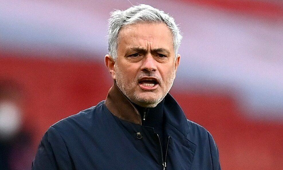 Mourinho meminta wasit menghadiri konferensi pers