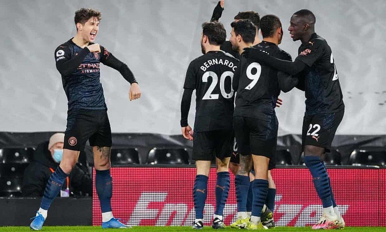 Man City kembali menang berkat sang bek