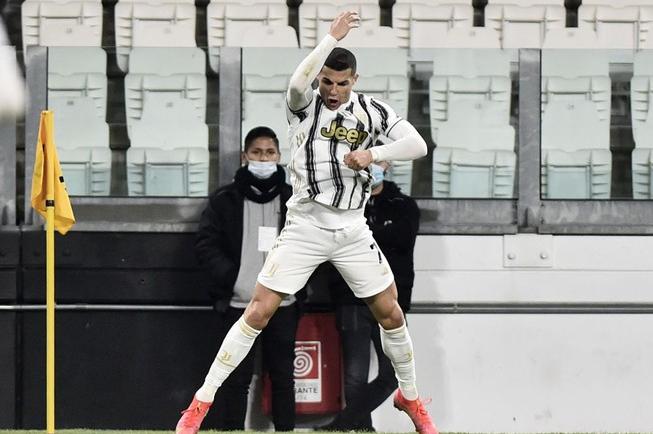 Ronaldo: 'Saya tidak bisa berhenti mencetak rekor'