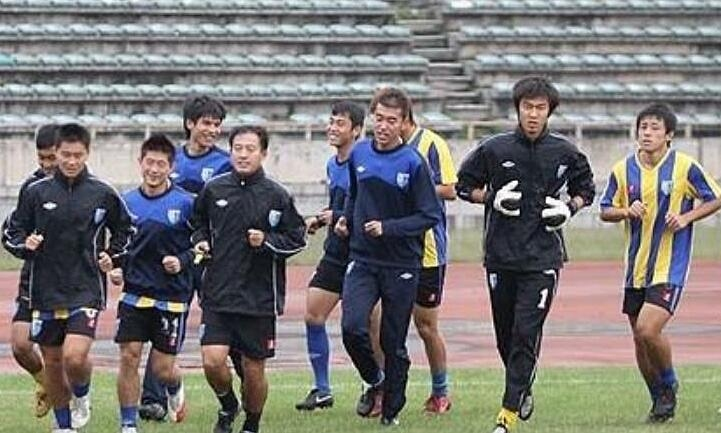 Pemain asal Tiongkok tersebut terpaksa beristirahat dari latihan jika tidak membayar gajinya