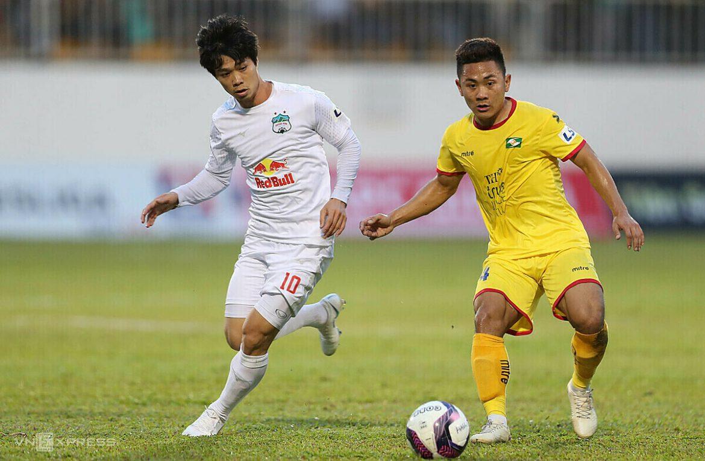 HAGL 0-0 Binh Dinh (babak pertama): Tuan Anh dimulai