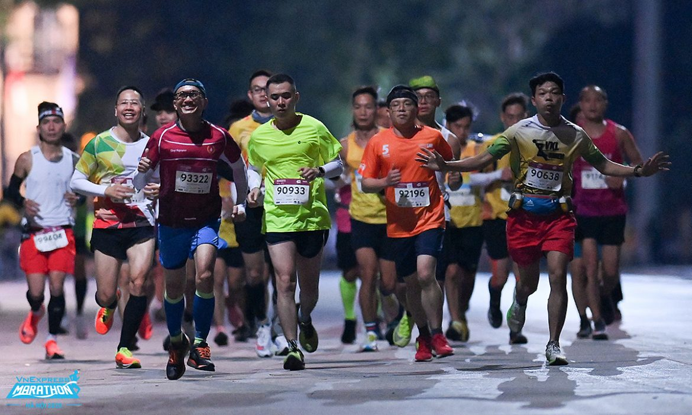 Hari terakhir penjualan tiket untuk maraton malam Hanoi 'super dini'
