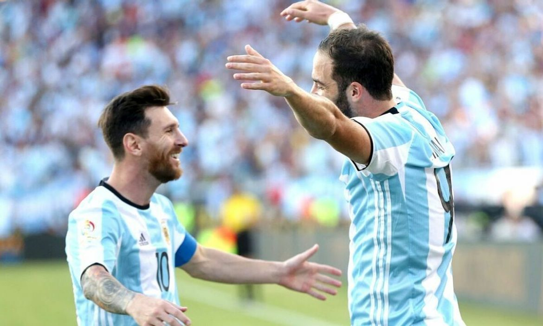 Higuain mengundang Messi bermain di AS