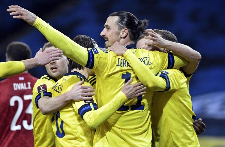Ibrahimovic bersinar saat kembali ke Swedia