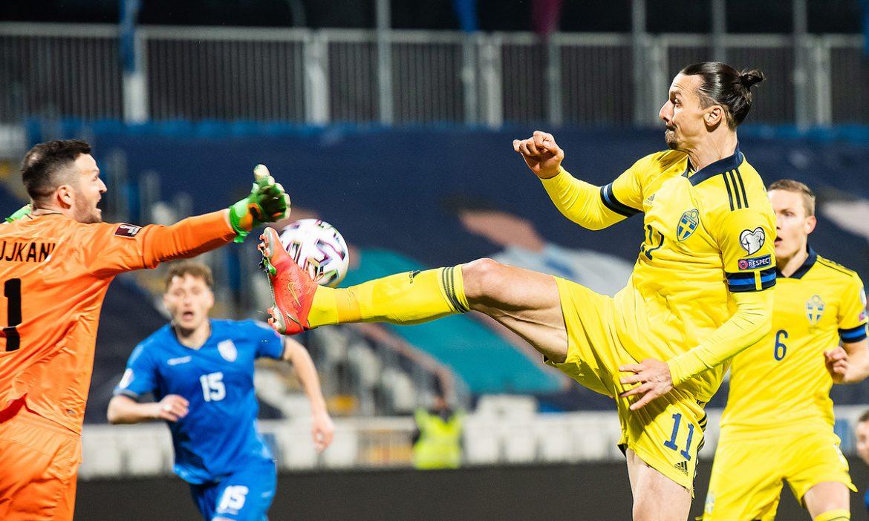 Ibrahimovic membantu dengan tendangan ala bela diri