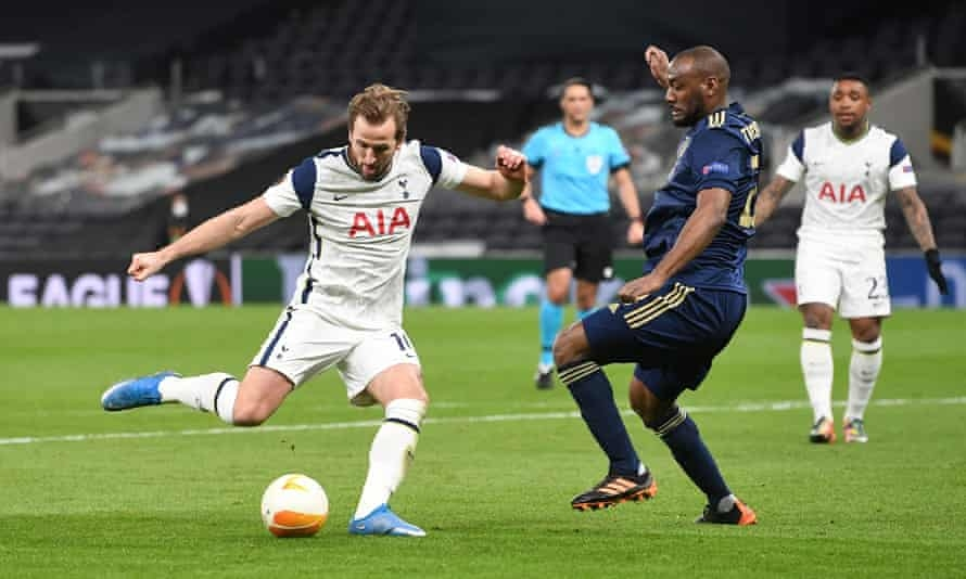 Kane kembali melemparkan sayap untuk Tottenham