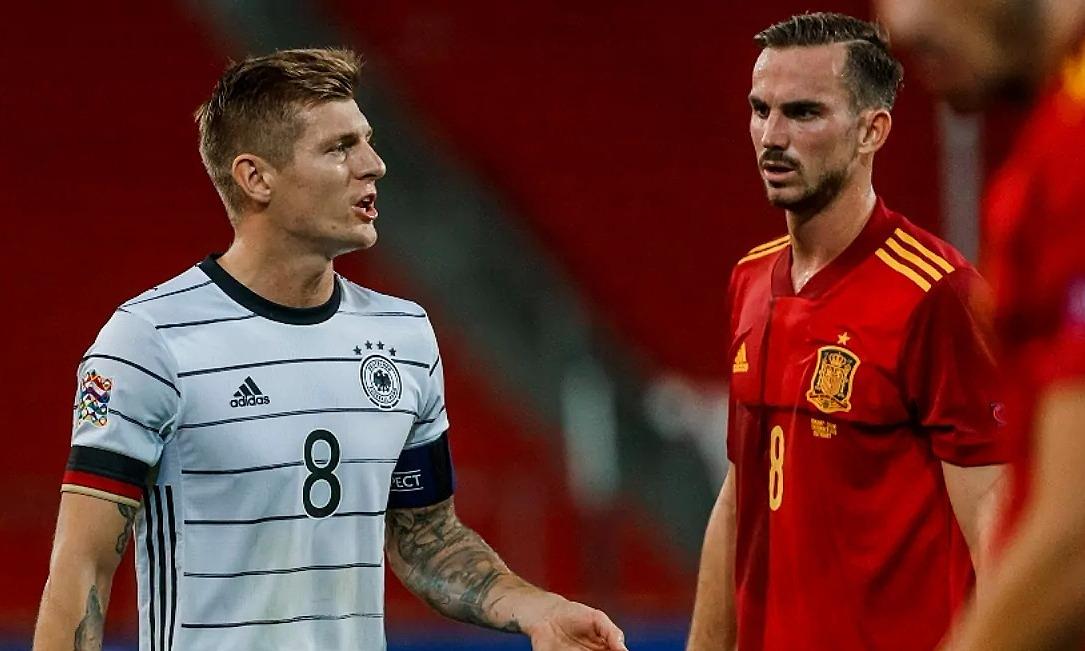 Toni Kroos berencana meninggalkan Jerman setelah Euro