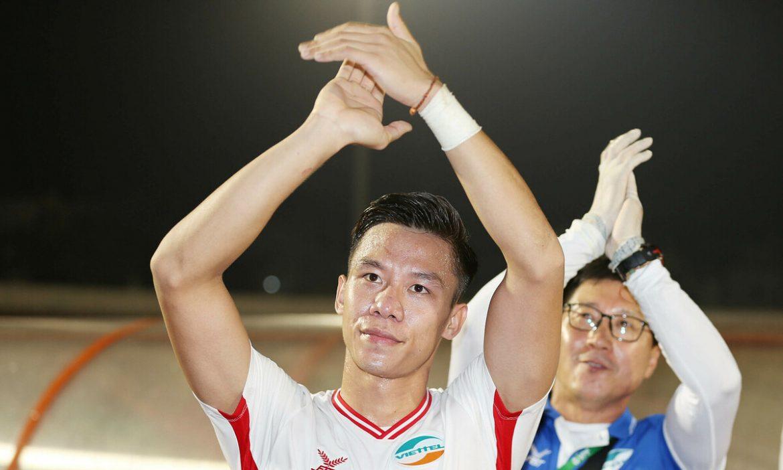 Que Ngoc Hai mencetak gol pertama untuk Viettel