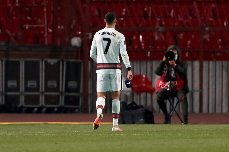 Ban kapten yang dilempar Ronaldo bisa menyelamatkan bayi berusia enam bulan itu