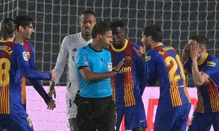 Pertandingan El Clasico dikompensasikan selama lima menit