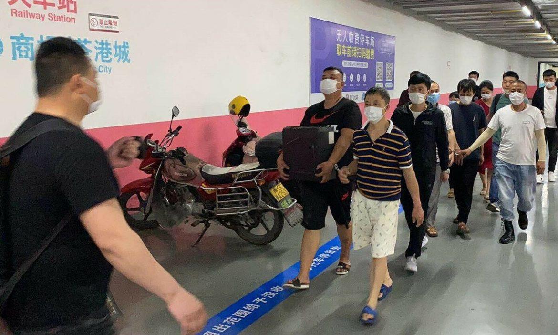 Berurusan dengan toko golf palsu berskala besar di Shanghai