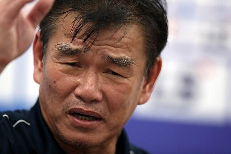 Pelatih Phan Thanh Hung mengucapkan selamat tinggal kepada Binh Duong