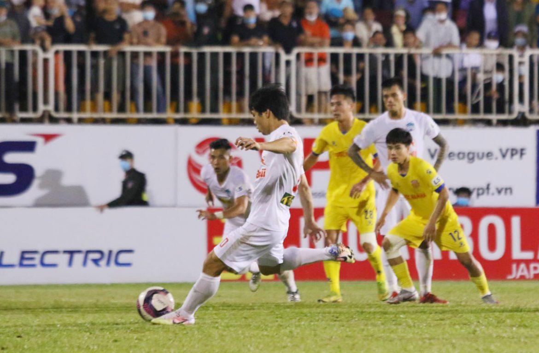 Cong Phuong seharusnya menendang penalti lagi