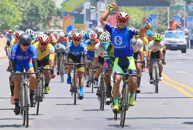 Nguyet Minh menang di Piala Televisi tersedak