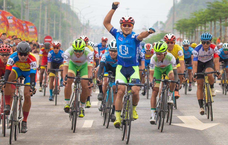Le Nguyet Minh memenangkan tahap pembukaan turnamen sepeda Vietnam