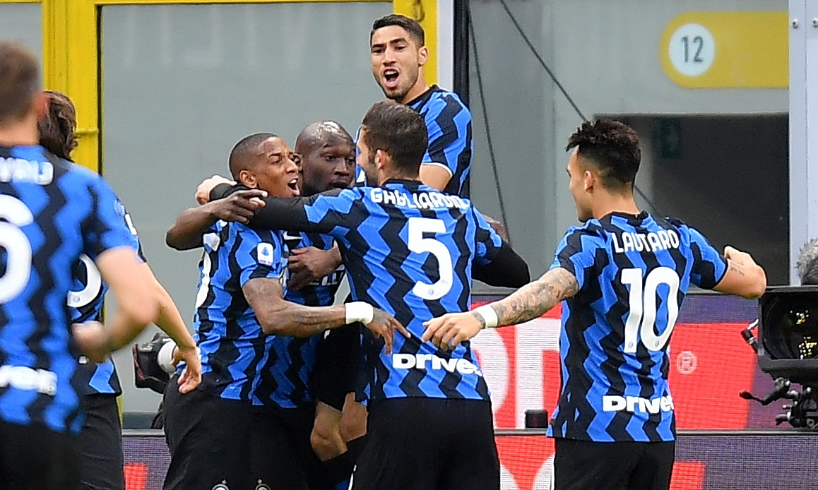 Lukaku membantu Inter memotong ekor Milan