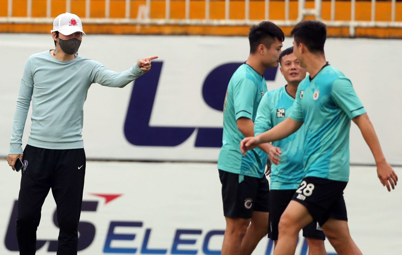 Pelatih Korea membantu Hanoi melatih para pejuang HAGL
