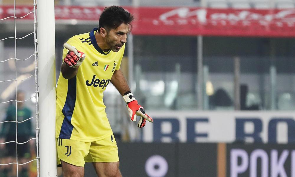 Buffon dihukum karena mengutuk rekan satu timnya