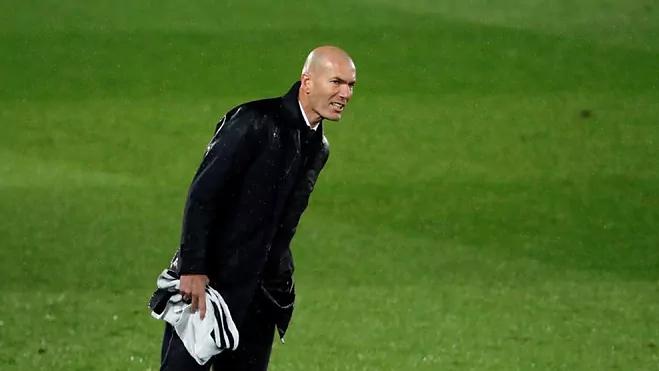 Zidane: 'La Liga masih belum di luar jangkauan Real'