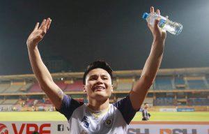Nguyen Quang Hai sendiri memberikan hadiah ulang tahunnya