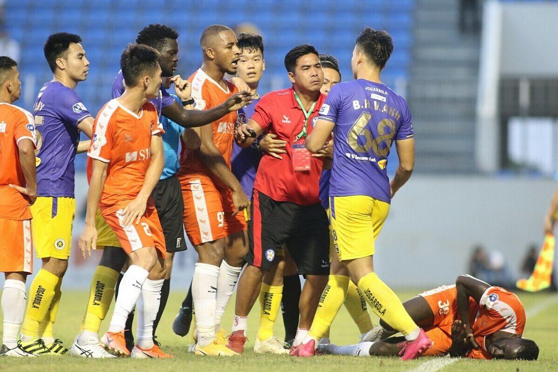 Gelandang klub Hanoi menghadapi hukuman dingin