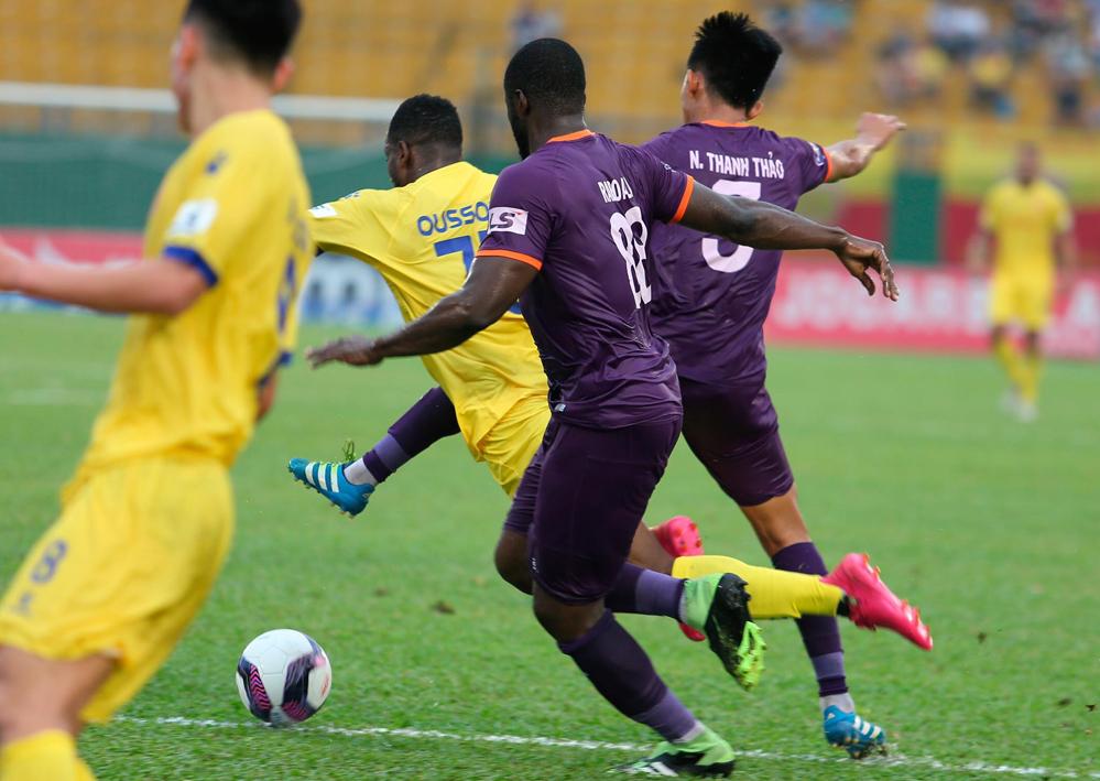 Nam Dinh kalah penalti