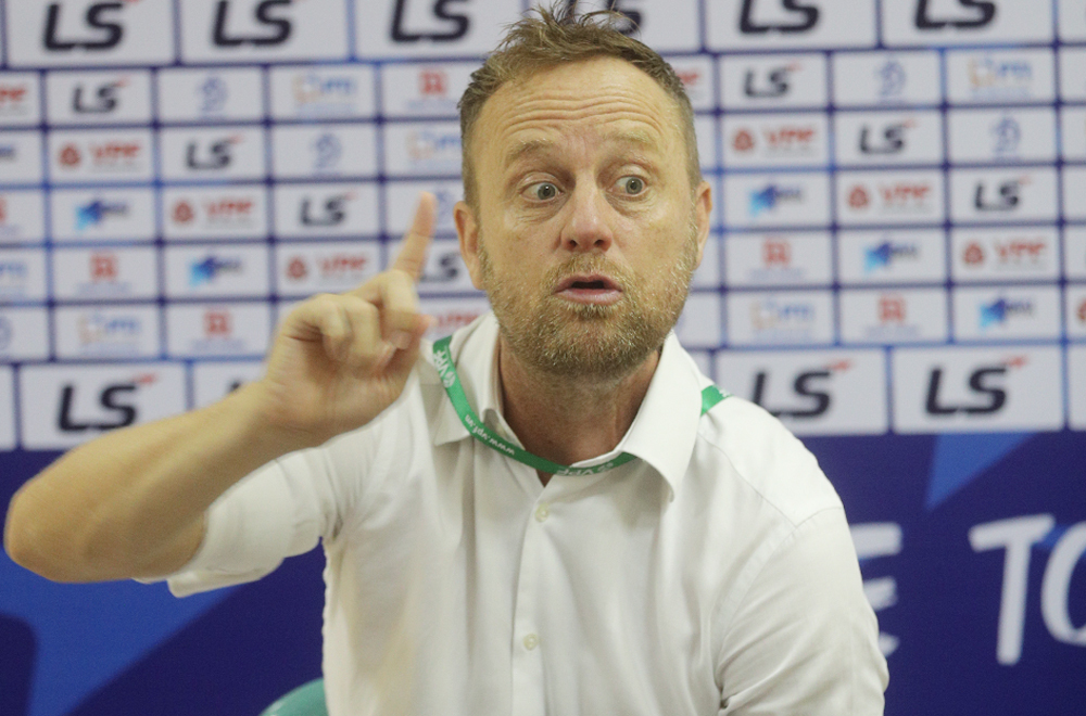 Pelatih Polking: 'Nam Dinh membeli waktu yang memalukan'