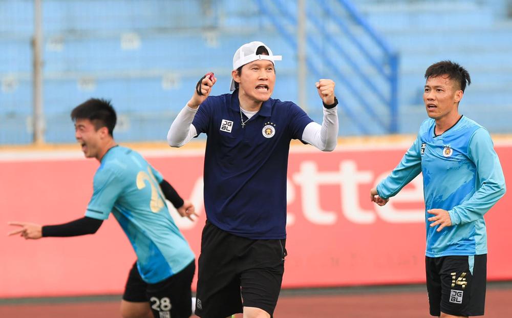 Pelatih baru Hanoi: 'Tidak menyerah, meski jauh dari HAGL'